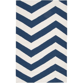 Hand-woven Navy Chevron Dark Blue Wool Rug (9' x 13')