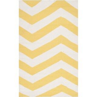 Handwoven SunnyChevron Sunshine Yellow Wool Rug (3'6 x 5'6)