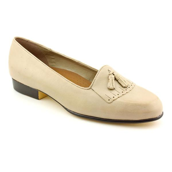 Naturalizer Women's 'Cuddley' Leather Casual Shoes - Wide (Size 10)