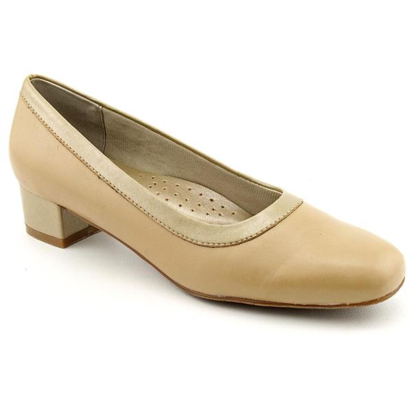 Trotters Women's 'Dora' Beige Leather Dress Shoes - Extra Narrow