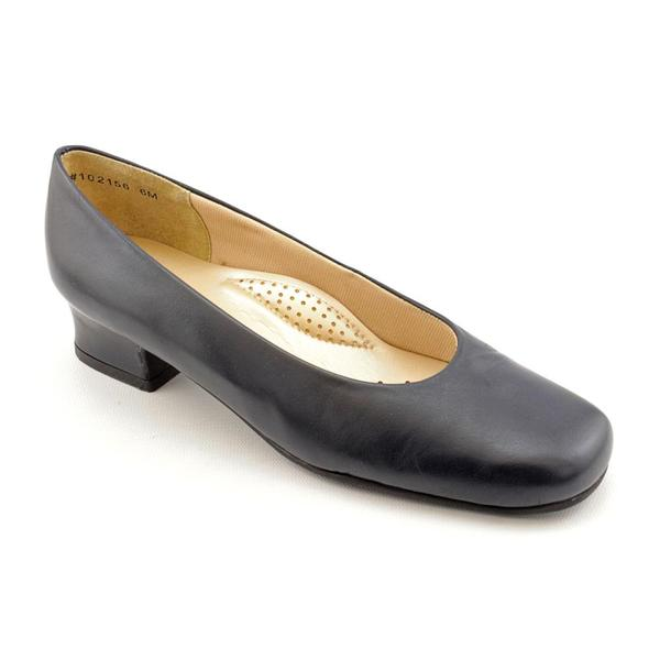 Ros Hommerson Women's 'Callie' Leather Dress Shoes - Extra Wide (Size 6.5)
