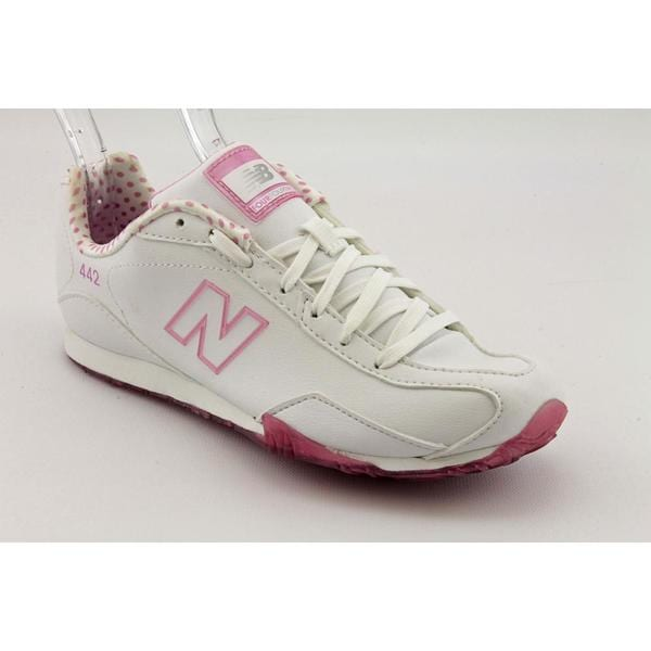 New Balance Women's 'CW442' Leather Athletic Shoe (Size 5.5)