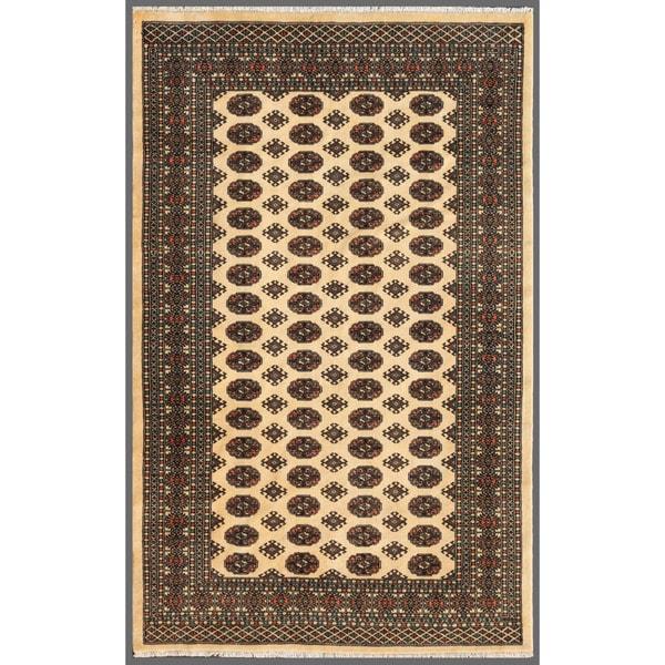 Handmade Herat Oriental Pakistani Bokhara Wool Rug (Pakistan) - 5'1 x 8'