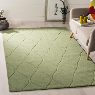 Safavieh Handmade Timeless Green New Zealand Wool Rug (4' x 6')