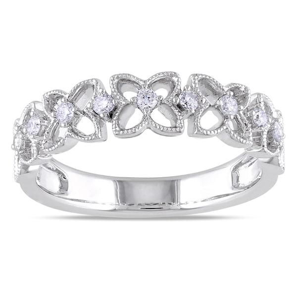 Miadora 18k White Gold 1/6ct TDW Diamond Flower Ring (G-H, SI1-SI2)