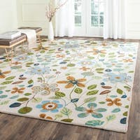 Safavieh Hand-Hooked Four Seasons Ivory Polyester Rug - 8' x 10'