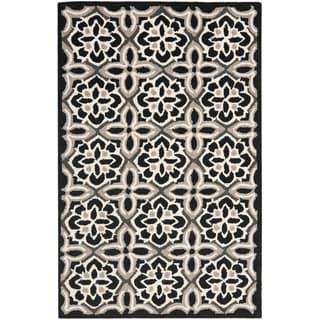 Safavieh Hand-Hooked Four Seasons Black/ Ivory Polyester Rug (2'6 x 4')