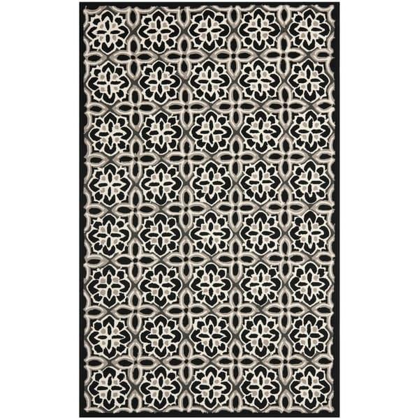 Safavieh Four Seasons Stain-Resistant Hand-Hooked Geometric Black Rug (5' x 8')