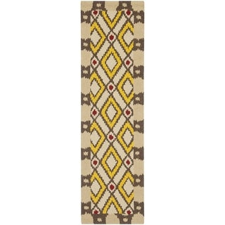 Safavieh Hand-Hooked Four Seasons Beige Polyester Rug (2' x 6')