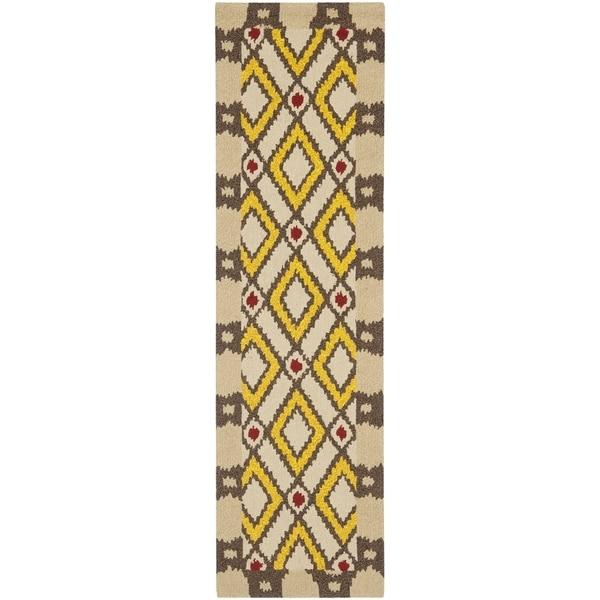 "Safavieh Hand-Hooked Four Seasons Beige Polyester Rug (2'3"" x 8')"