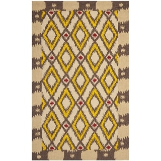 Safavieh Hand-Hooked Four Seasons Beige Polyester Rug (5' x 8')