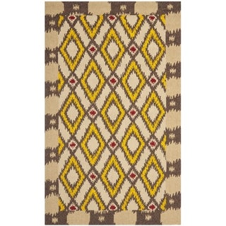 Safavieh Four Seasons Stain-Resistant Hand-Hooked Country Beige Rug (8' x 10')