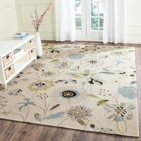 Safavieh Hand-Hooked Four Seasons Floral Ivory / Blue Polyester Rug - 5' x 8'