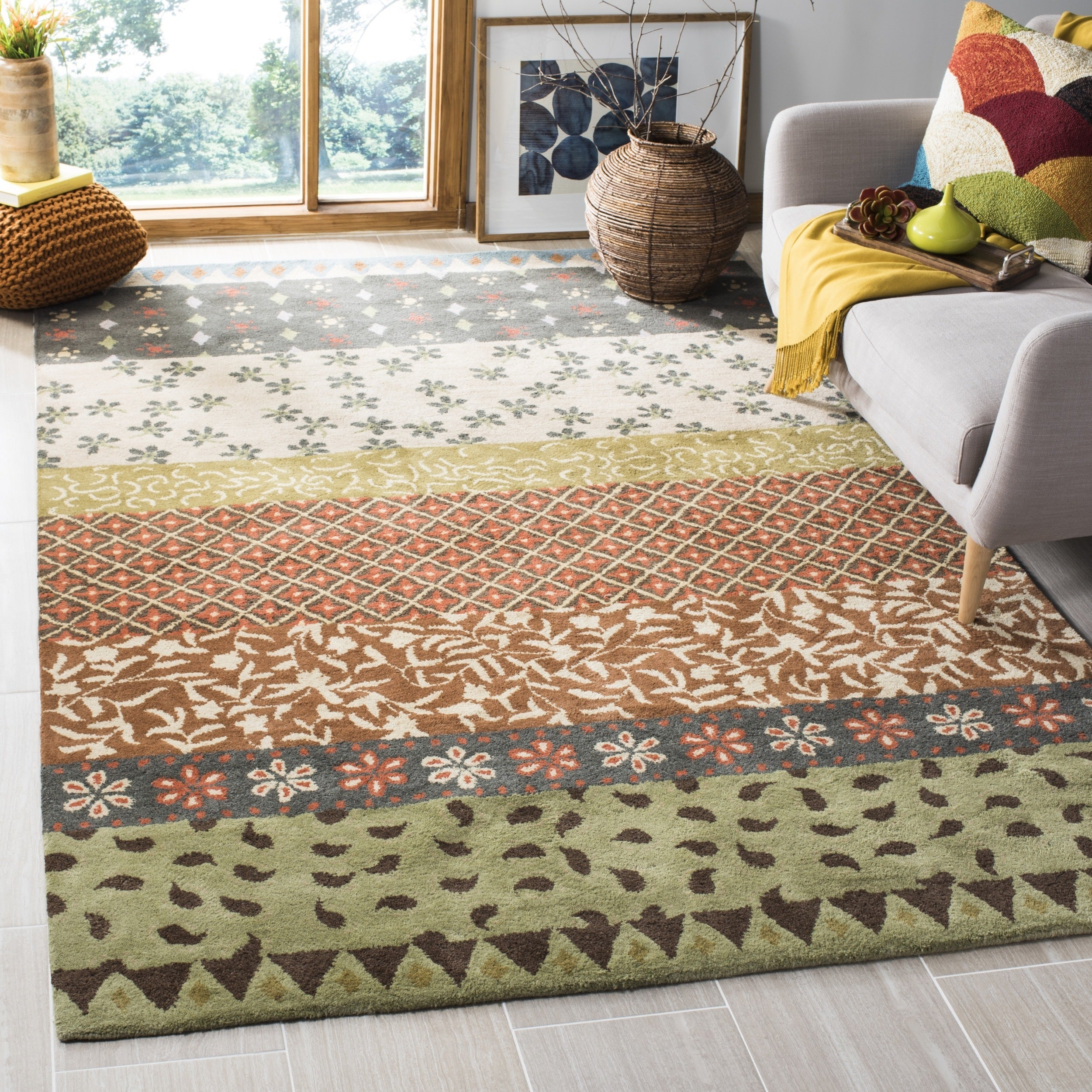Safavieh Handmade Bella Ivory Wool and Viscose Rug (6' Sq...