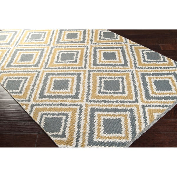 Hand-woven Tioga Gold Wool Area Rug - 5' x 8'