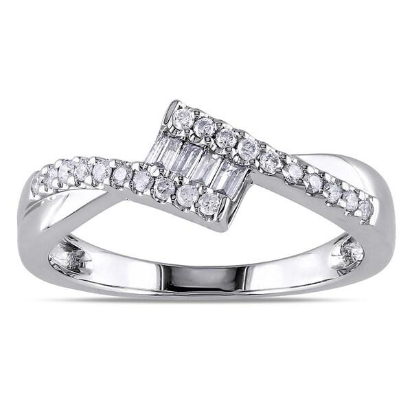 Miadora 10k White Gold 1/4ct TDW Baguette Cut Diamond Ring