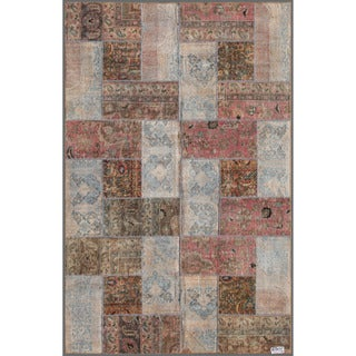Herat Oriental Pak Persian Hand-knotted Patchwork Wool Rug (5'11 x 9')