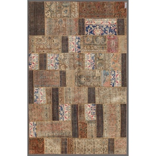 Herat Oriental Pak Persian Hand-knotted Patchwork Wool Rug (5'8 x 8'10)