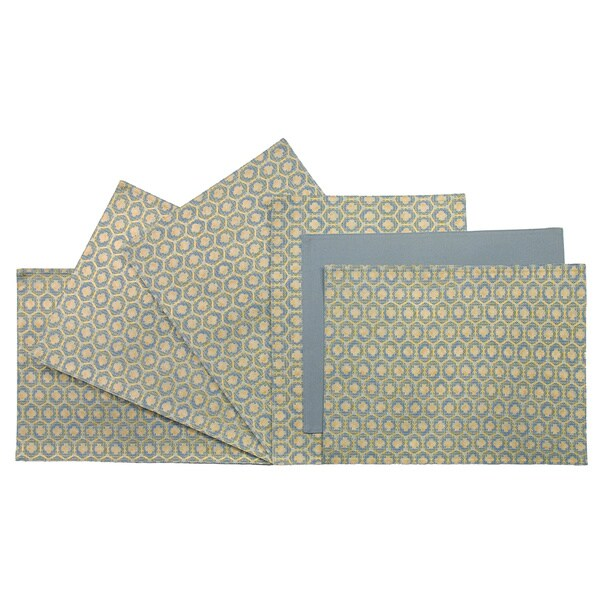 Rose Tree 18-inch Rectangle Green/ Gold Medallion Place Mats (Set of 6)