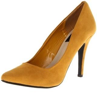 Fahrenheit Women's 'CR-01' Mustard Pointed-toe Pumps
