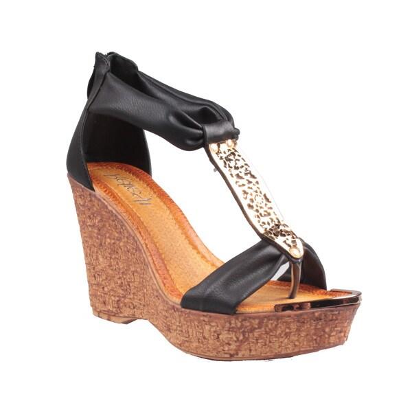 Refresh by Beston Women's Black 'Maysa-05' T-Strap Wedge Sandals
