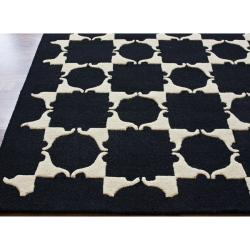 nuLOOM Handmade Black Checkered New Zealand Wool Rug (5' x 8')