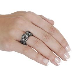 Journee Collection Black Rhodium-plated Brass CZ Twist Ring