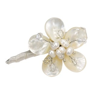 Handmade Charming Daisy Mother of Pearl Floral Hair Pin (Thailand)