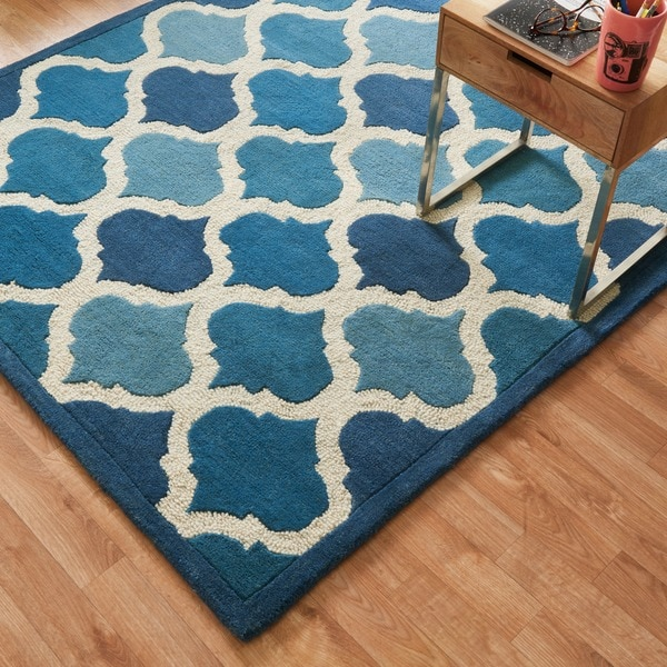 Hand-tufted Logan Cobalt Blue Wool Rug - 5' x 7'6