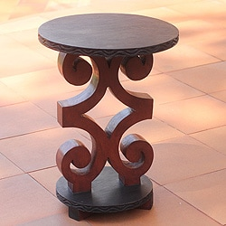 Sese Wood 'African Ram's Horn' Accent Table (Ghana)