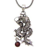 Handmade Sterling Silver Men's 'Dragon's Ball' Garnet Necklace (Indonesia)