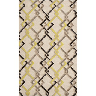 Hand-hooked Ivory Indoor/Outdoor Geometric Rug (5' x 8')
