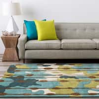 Hand-tufted Nixa Green Geometric Pattern Area Rug - 5' x 7'6""