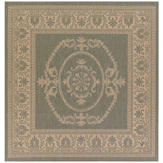 Couristan Recife Antique Medallion/ Green and Natural Area Rug (7'6 Square)
