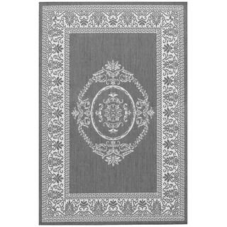Power-Loomed Pergola Emblem Grey/White Polypropylene Rug (5'10 x 9'2)