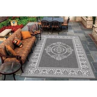 Pergola Emblem Grey-White Indoor/Outdoor Area Rug - 3'9 x 5'5