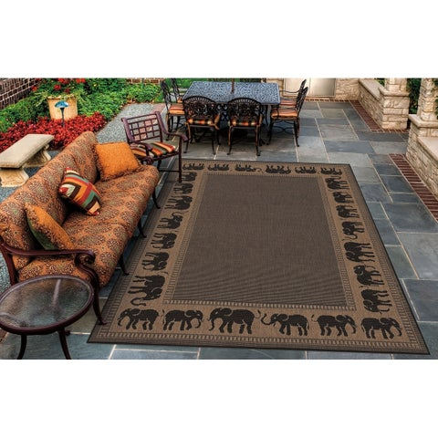Couristan Recife Elephant/Cocoa-Black Indoor/Outdoor Area Rug - 2' x 3'7