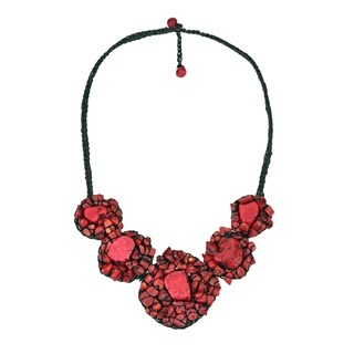 Handmade Chic Mosaic Beauty Turquoise Embellished Necklace (Thailand)|https://ak1.ostkcdn.com/images/products/7717169/P15121425.jpg?_ostk_perf_=percv&impolicy=medium