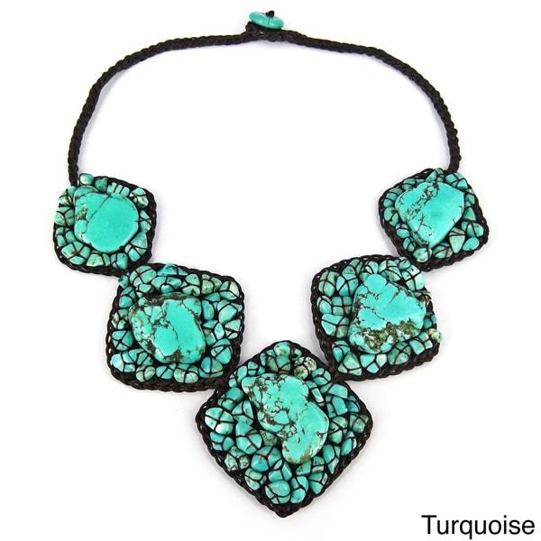 Handmade Chic Mosaic Beauty Turquoise Embellished Necklace (Thailand)