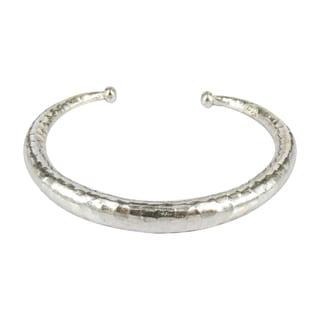 Handmade Simplicity Hammered Karen Hill Tribe Silver Adjustable Cuff (Thailand)
