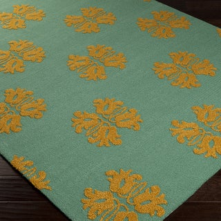Hand-hooked Teal Stencil Malachite Blue Indoor/Outdoor Rug (5' x 7'6)