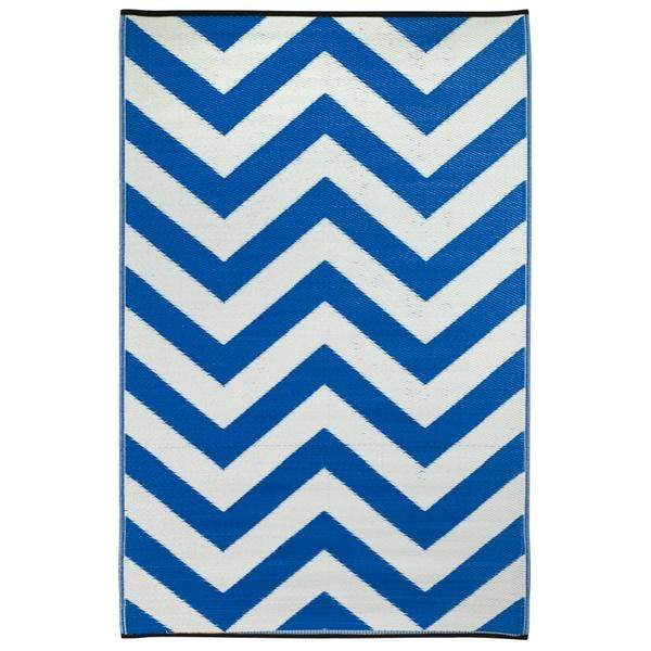Prater Mills Indoor/ Outdoor Reversible Regatta Blue/ White Rug