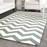 Safavieh Handmade Moroccan Chatham Chevron Dark Grey Wool Rug - 5' Square
