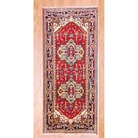 "Handmade Indo Heriz Red/ Navy Wool Rug (India) - 2'6"" x 6'"