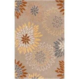 Hand-tufted Missoula Beige Floral Wool Area Rug - 6' x 9'