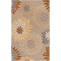 Hand-tufted Missoula Beige Floral Wool Area Rug - 5' x 8'
