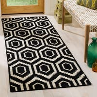 "Safavieh Handwoven Contemporary Moroccan Reversible Dhurrie Black Wool Runner Rug - 2'6"" x 6'"