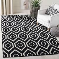 Safavieh Hand-woven Moroccan Reversible Dhurrie Black Geometric Wool Rug - 6' x 9'
