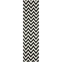 "Safavieh Hand-woven Moroccan Reversible Dhurrie Chevron Black Wool Rug - 2'6"" x 8'"