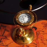 Old Modern Handicrafts Brass Gimbaled Compass